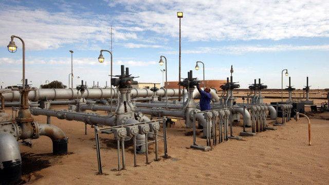 در میدان های مشترک نفتی عقب ماندگی از رقیب نداریم