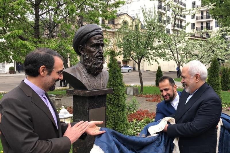 ظریف از تندیس 4 شاعر ایرانی در مسکو رونمایی کرد، عکس