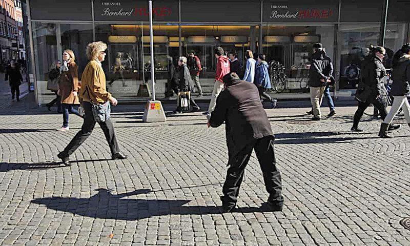 قانونمند شدن گدایی در سوئد ، 21 دلار بده، 90 روز گدایی کن