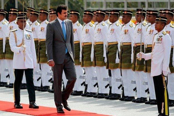 فرش قرمز مالزی برای امیر قطر