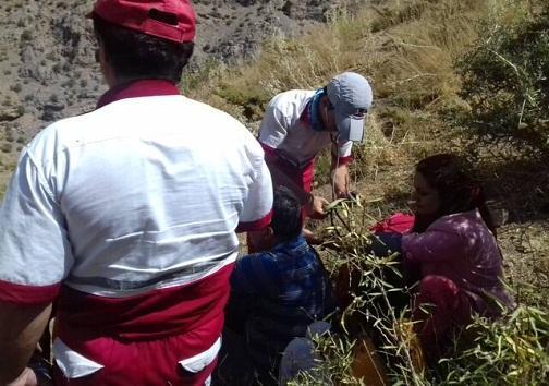 نجات گردشگران بندرعباسی در ارتفاعات کوه گل