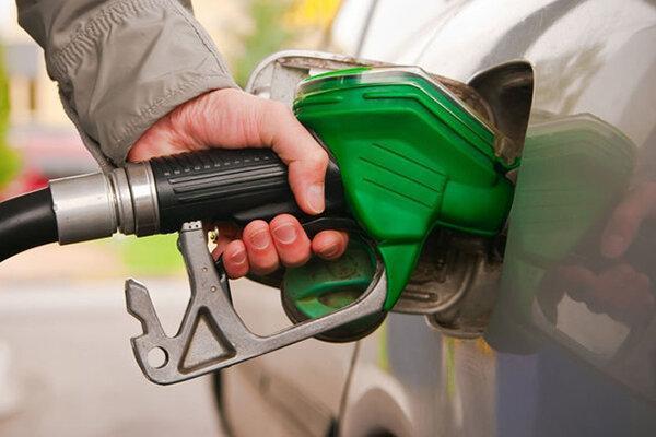 جدیدترین پیشنهاد مجلسی ها برای کاهش قیمت بنزین ، ماجرای پیشنهاد هدیه بنزین به مردم چیست؟
