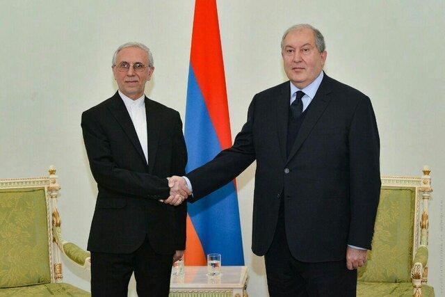 سفیر جدید ایران استوارنامه خود را به رئیس جمهور ارمنستان تقدیم کرد