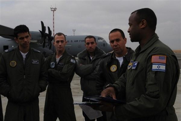 تروریست های آمریکایی از پایگاه هوایی القیاره عراق خارج شدند