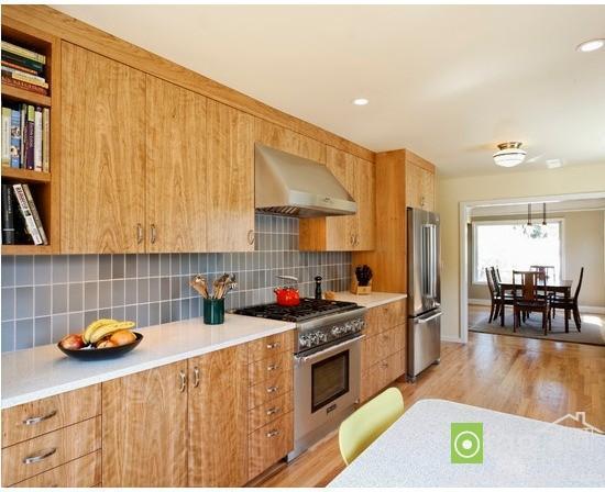دکوراسیون آشپزخانه مدرن با کابینت های چوبی و ام دی اف مدرن