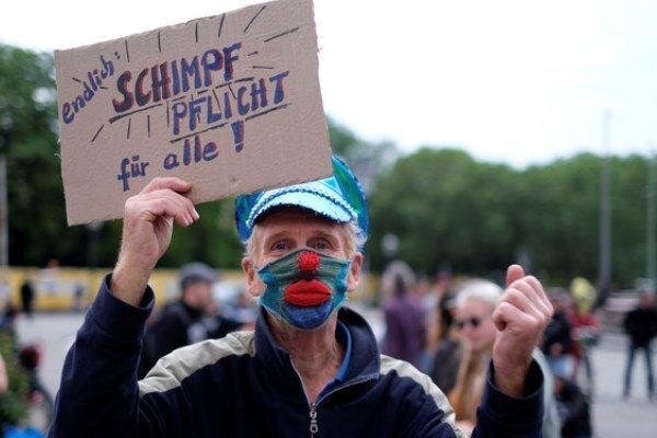 پلیس آلمان 60 تن از معترضان به تعطیلی اجباری را بازداشت کرد