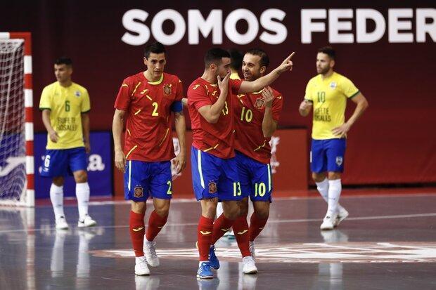 پیروزی تیم ملی فوتسال اسپانیا مقابل برزیل و تقدیر از میگوئلین