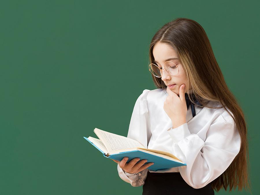 چرا زن ها به کتاب های عاشقانه علاقه دارند ؟