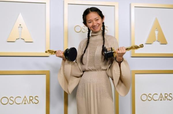 چین اسکار دریافت کلویی ژائو را سانسور کرد