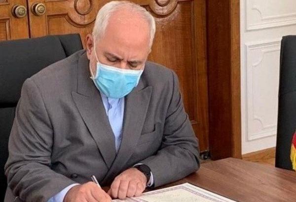 ظریف درگذشت اکبر ترکان را تسلیت گفت