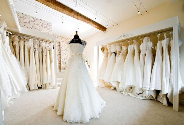 تعبیر خواب لباس عروس، پوشیدن لباس عروس چه تعبیری دارد؟