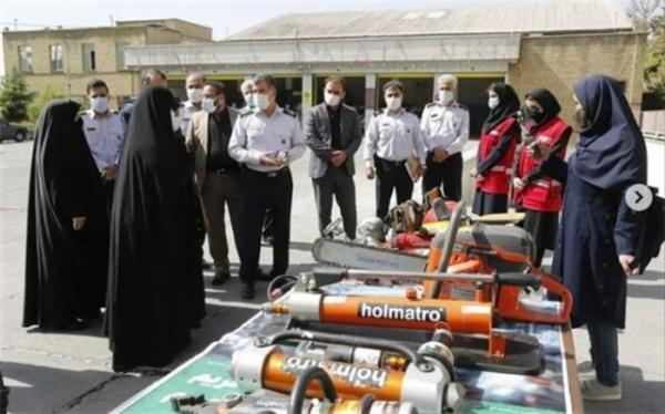 قاسم پور: بسترهای لازم جهت حضور زنان آتش نشان در تهران فراهم نشده است